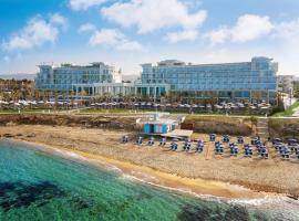 Amavi – Made For Two Hotels ™, hotel em Pafos