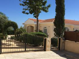 Fabulous seafront villa for your family vacation