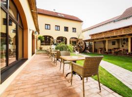 Hotel Selsky Dvur - Bohemian Village Courtyard