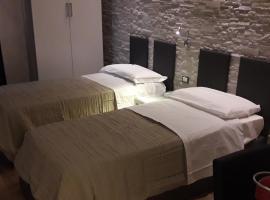 A 2 PASSI da, hotel in Foggia