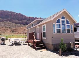 FunStays Glamping Tiny House Double Loft R-4