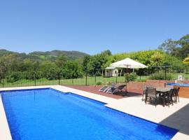 Tatiara - Spacious family friendly home!, hotel in Kangaroo Valley