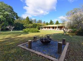 The Ambers - Comfortable family getaway!, hotel in Kangaroo Valley