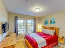 Top Floor - All The Views - 2 Bed 2 Bath Apartment in Westport