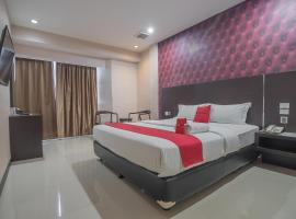 RedDoorz Plus near Harbour Bay Mall Batam