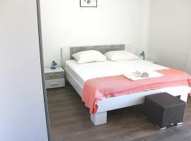 Apartments Murter01