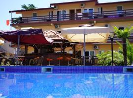 Riva, hotel in Kobuleti