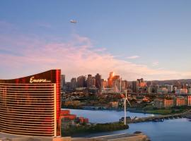 Encore Boston Harbor, hotel with jacuzzis in Boston