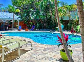 Coconut Grove Beach Resort unit 7, Pool and Wi-Fi