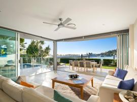 Pavillion 17 - Waterfront Spacious 4 Bedroom With Own Inground Pool And Golf Buggy