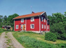Three-Bedroom Accommodation in Holmsjo