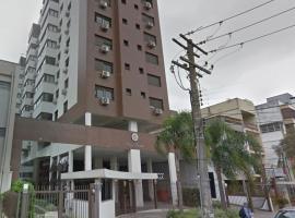 Quarto casal NOVO para alugar, ótima localização, c/AR- Large room all new w/Air con