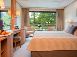 Baxter Hoare Hotelship III