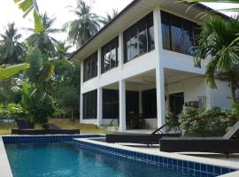 Twin Villas Apartment with Swimming Pool