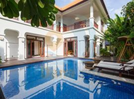 LUXStay Beach View Villas Da Nang