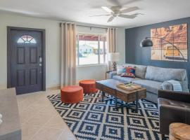 Spacious 4BR in South Scottsdale by WanderJaunt
