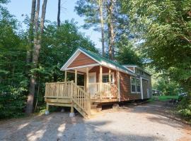 Lake George Escape Loft Cabin Premium 17