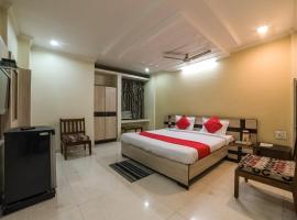 OYO 23649 Hotel Anand
