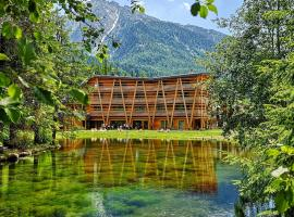 Au Charmant Petit Lac - Ecohotel Parc & Spa, hotel near Frachey - Alpe Ciarcerio funicolar, Champoluc