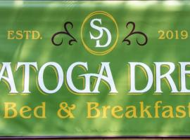 Saratoga Dreams Bed and Breakfast, family hotel in Saratoga Springs