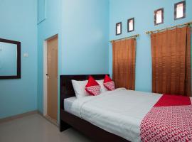 OYO 1235 Tona Residence