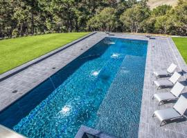 LX1A LUXURY CONTEMPORARY VILLA IN THE MIDDLE OF NATURE WITH LAR