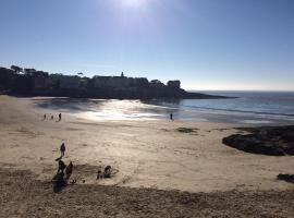 Villa Standing sécurisée plage et Commerces à pieds