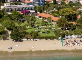 Angeliki Beach Hotel, hotel near Skiathos Castle, Megali Ammos