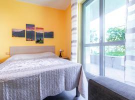 Casa Livio - Rooms and studios, guest house in Como