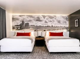 Vinland Hotel and Lounge