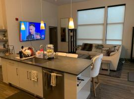Luxurious Home Away In the Heart of Pittsburgh