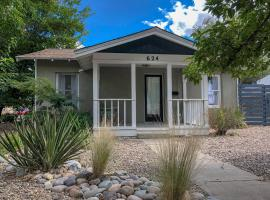 Newly Remodeled Adobe House! - Oldtown/Downtown