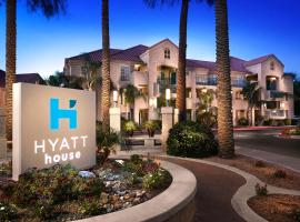 Hyatt House Scottsdale Old Town, hotel in Scottsdale