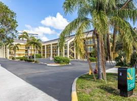Quality Inn Palm Beach International Airport