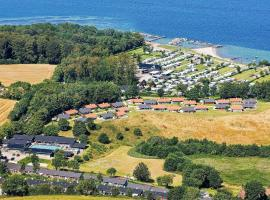 6 person holiday home on a holiday park in Aabenraa