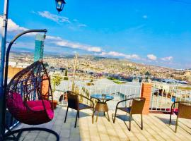 9 Borbalo Street Apartment with terrace, hotel near Tbilisi Circus, Tbilisi