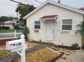 Casa Historica, a cozy 1940 cottage in Delray Beach, FL