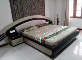 Santi Nivas Guest House, hotel near Netaji Subhash Chandra Bose International Airport - CCU,
