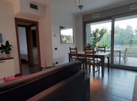 ACCOGLIENTE BILOCALE CON GIARDINO VICINO A MILANO, hotel in Segrate