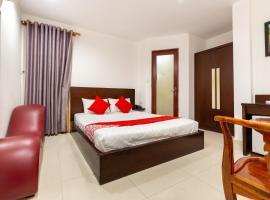 OYO 487 Sao Mai Hotel, hotel near Tan Son Nhat International Airport - SGN,