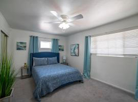 Old Town Scottsdale Paradise with Hot Tub Sleeps 8