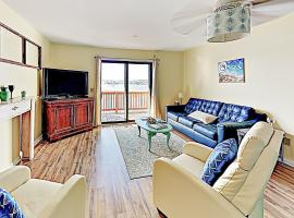 New Listing! Bay-Front Haven: Walk 2 Mins To Beach Condo