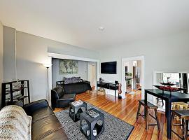 New Listing! Classic Charm In The City W/ Sunroom Duplex