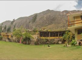 secret valley house, pet-friendly hotel in Ollantaytambo
