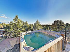 All-New Desert Hideaway: Mountain Views & Hot Tub home
