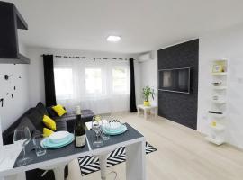 Bright Central Lux Apartment