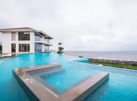 Casa Bella with Infinity Pool in Kashid