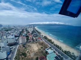 MT3032 Luxury VIP 2bedroom Apartment No 3032 With Ocean View, luxury hotel in Da Nang