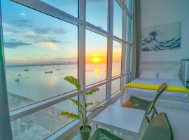 Maritime Suites by Comfy, family hotel in George Town