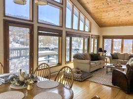 #1013 - Stunning Single Family Mountain Retreat and Dog friendly!!